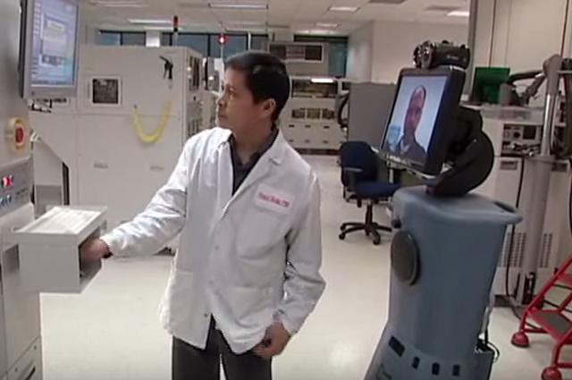 Робот-медбрат RP7 от ирландской компании InTouch Health