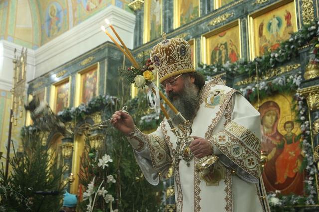 Рождественскую Божественную литургию митрополит Кирилл совершил в Свято-Троицком кафедральном соборе.