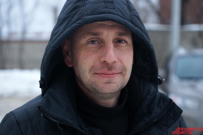 Алексей — потомственный строитель, сейчас занимается воспитанием сына.