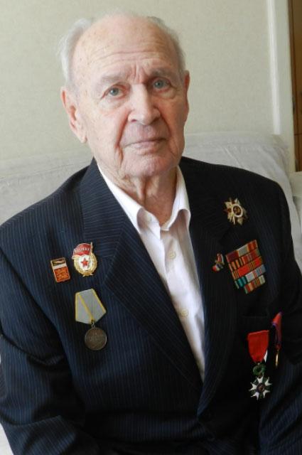 Валентин Иванович награждён высшей военной наградой Франции - Орденом Почётного легиона.