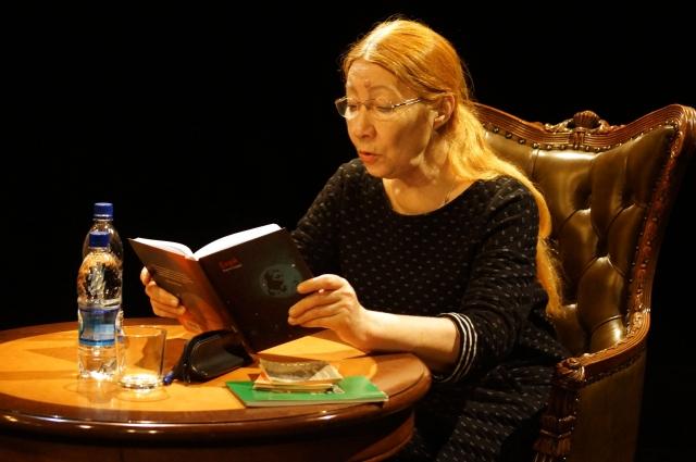 Драматург Нина Садур рассказала пермякам о новосибирских поэтах.