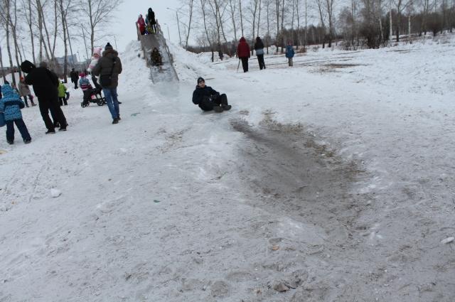 Качество ледяного покрытия вызывает возмущение у горожан.