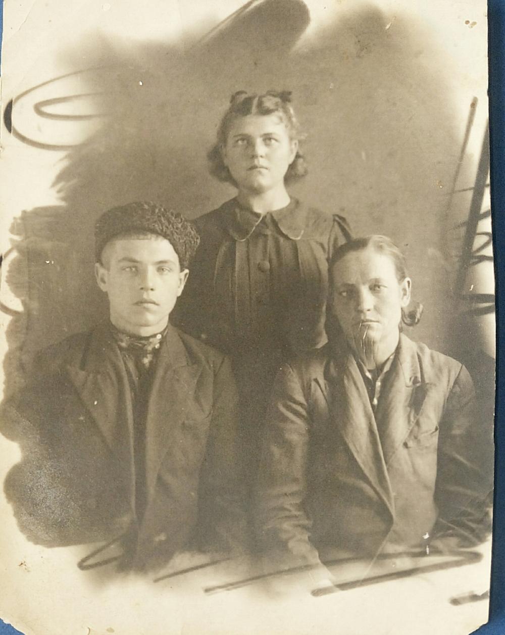 Молодость Валентины пришлась на военные годы.