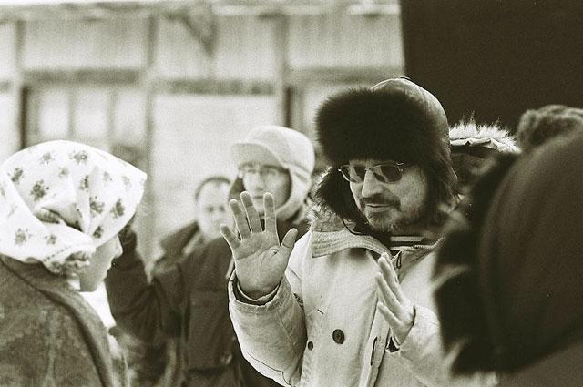 Алексей Балабанов на съёмочной площадке фильма Морфий . 2008 год