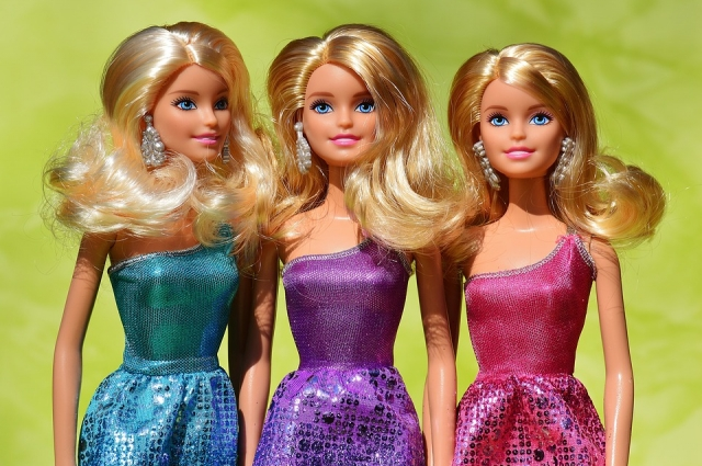 По мнению некоторых психологов, Барби могут быть опасными для психики ребенка.