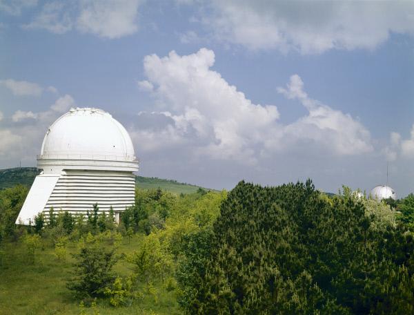 Крымская астрофизическая обсерватория Академии наук СССР, расположенная в высокогорном крымском посёлке Научный