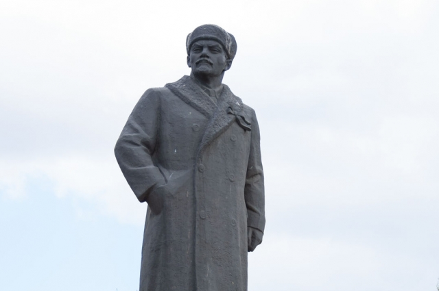 Ленин в шапке. Минусинск, Красноярский край.