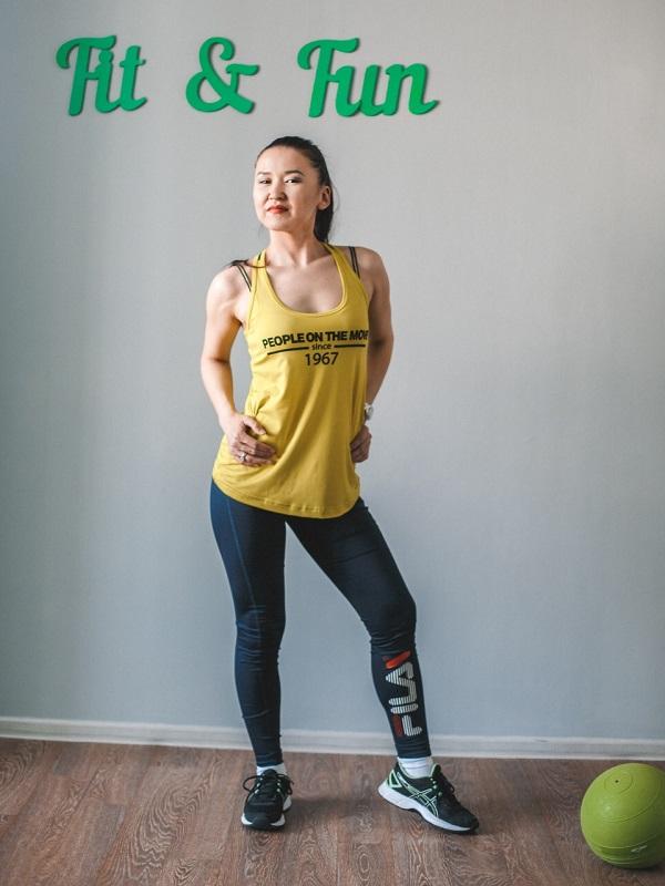 По словам фитнес-тренера Лены Васильевой, лучше регистрироваться не через банк, а скачать приложение «Мой налог», там всё достаточно понятно.