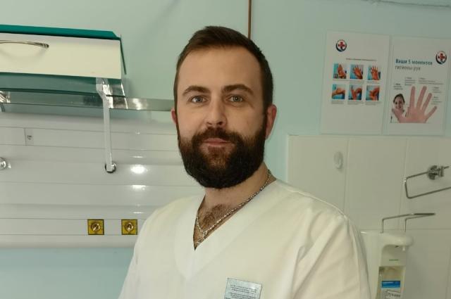 Николай Клюшников отмечает, что идти навстречу ситуации и бороться с новым заболеванием обязывает профессия.