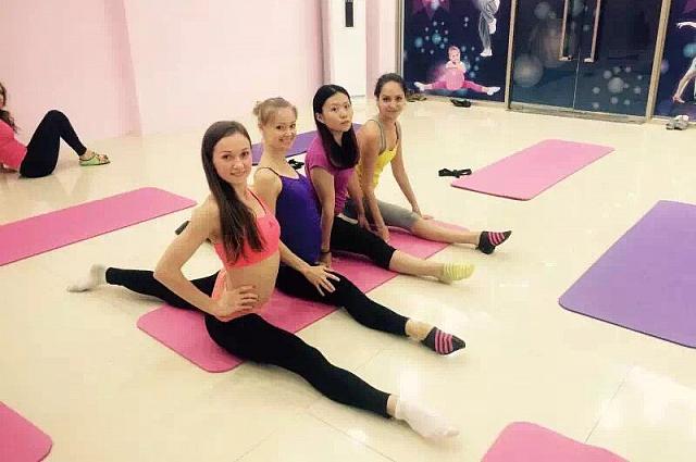 В первое время Ирина тренировала китайцев, используя язык жестов.