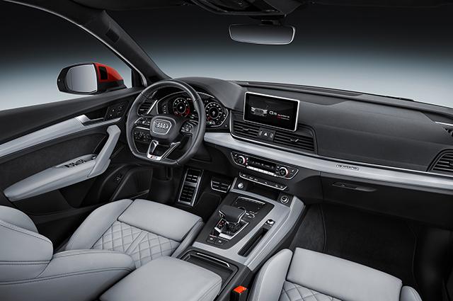 Салон Audi Q5.
