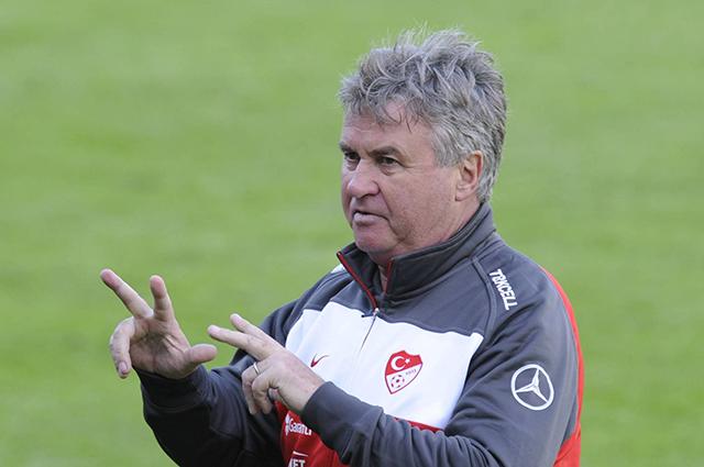 Гус Хиддинк в качестве главного тренера сборной Турции.