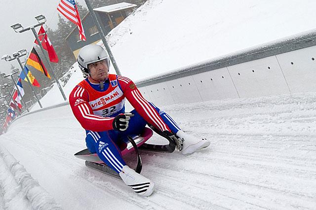 Альберт Демченко на этапе Кубка Мира по санному спорту в Альтенберге, 2011 год