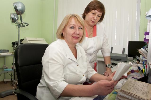 Врач акушер-гинеколог Ольга Мелько (слева) больше 10 лет консультирует пациенток с гормональными нарушениями.