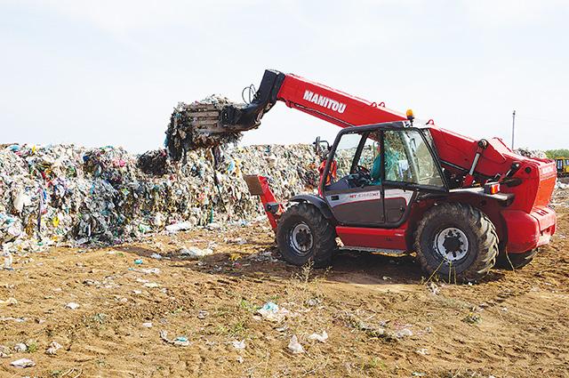Полигон прослужит дольше, если отходы перед утилизацией будут отсортированы и спрессованы.