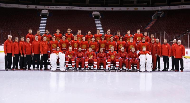 Командное фотографирование молодежной сборной России по хоккею в преддверии 43-го молодежного чемпионата мира по хоккею 2019.