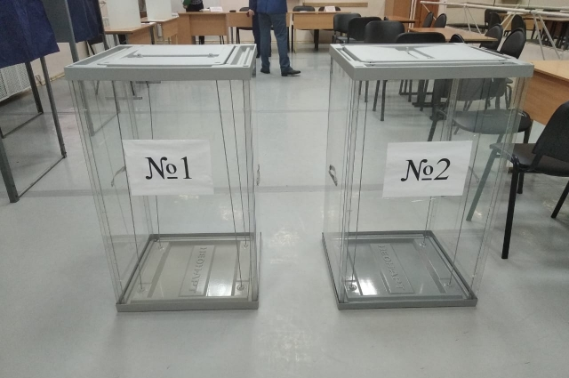 В Петербурге готовят к выборам избирательные участки.