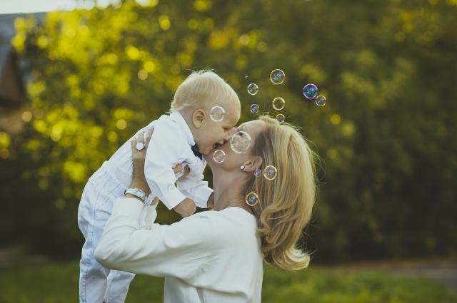 Молодые семьи стали чаще инвестировать материнский капитал в загородную недвижимость.