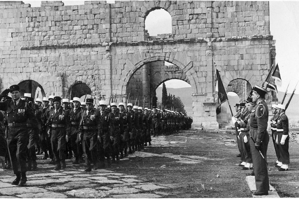 13 полубригада Иностранного легиона во время парада в Алжире (около 1958).