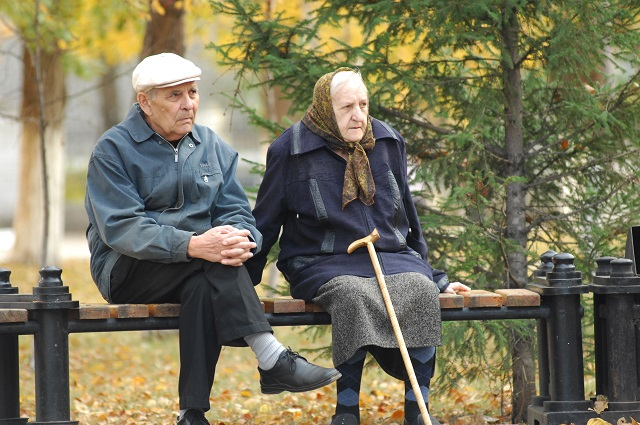Это непросто - принять в семью чужого старика.