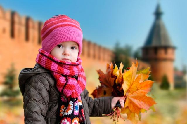 С малышом вокруг кремля.