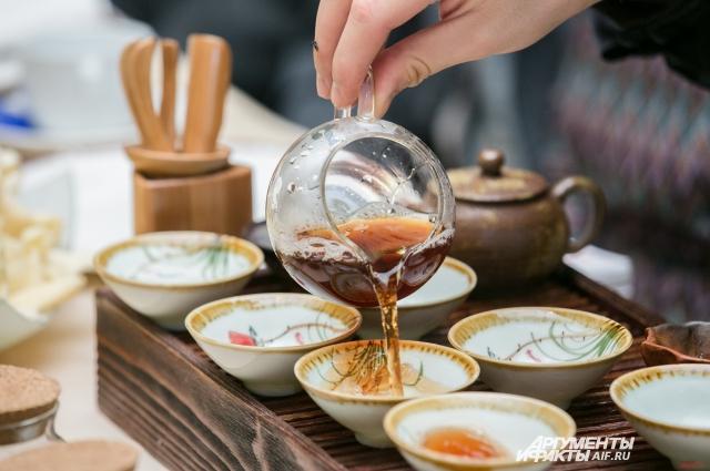 Чайная церемония — превращённый в ритуал процесс заварки чая и чаепития, распространённый в азиатских странах.