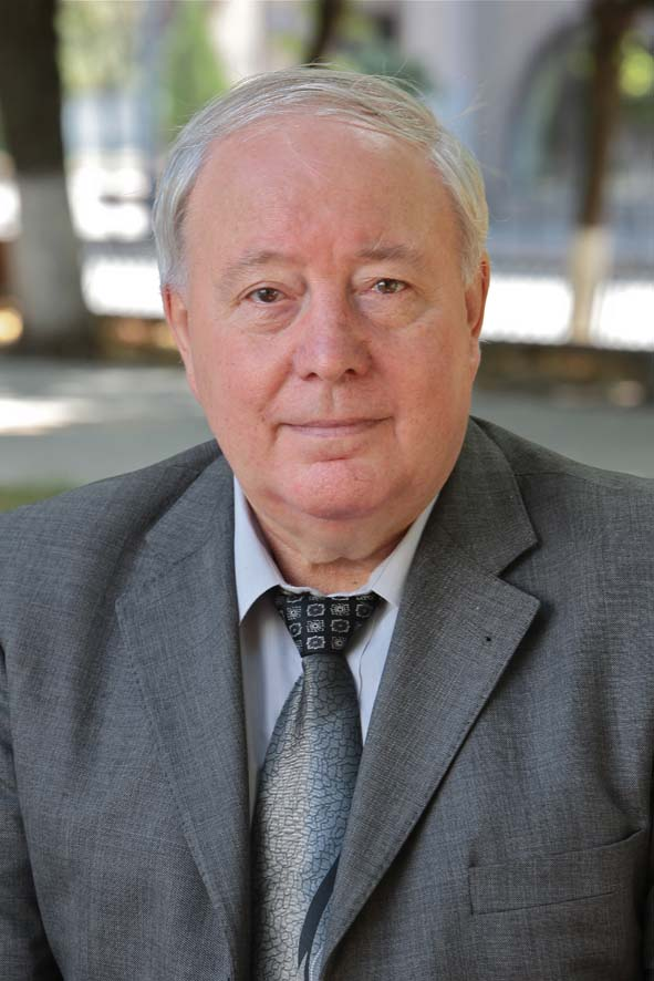 Александр Митропольский.