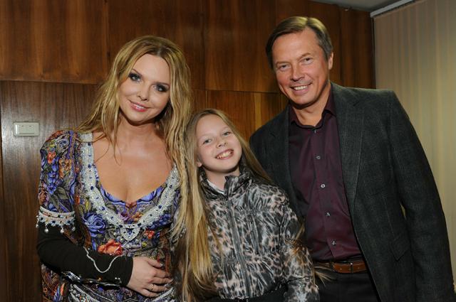 Певица Варвара с семьей.