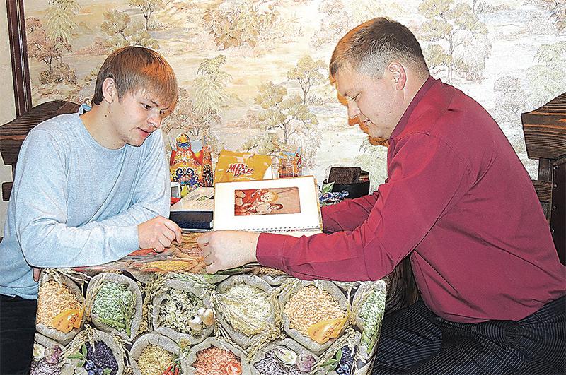 Ильшат (слева) с обретённым братом Рустемом