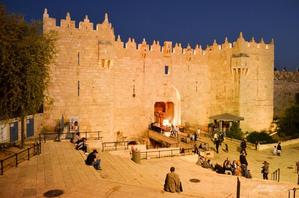 Дамасские ворота в Старый город Иерусалима.