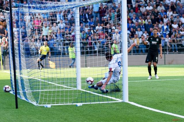 Первый гол оренбургские футболисты забили уже на 22-й минуте.