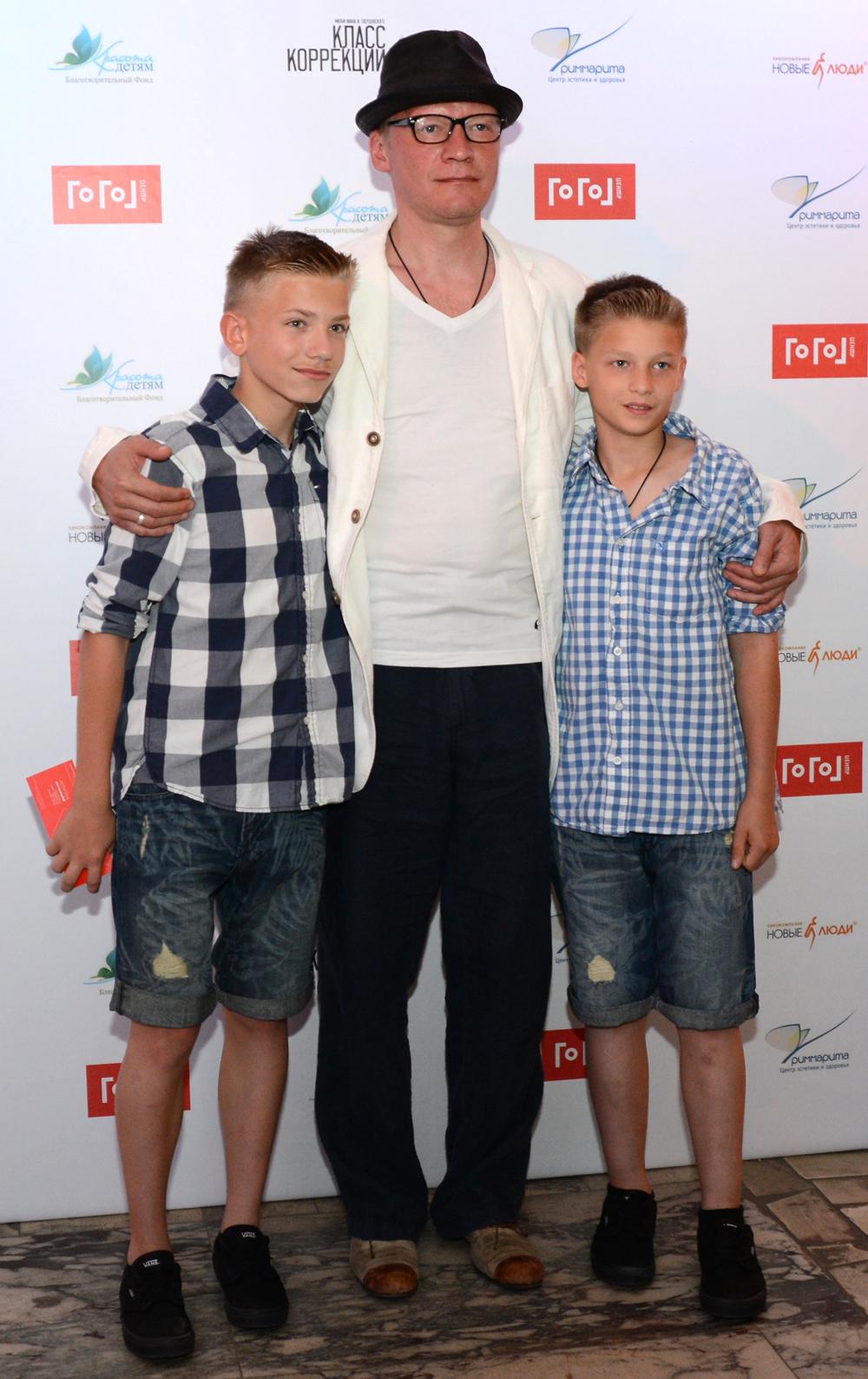 Алексей Серебряков с сыновьями. 2014 г.