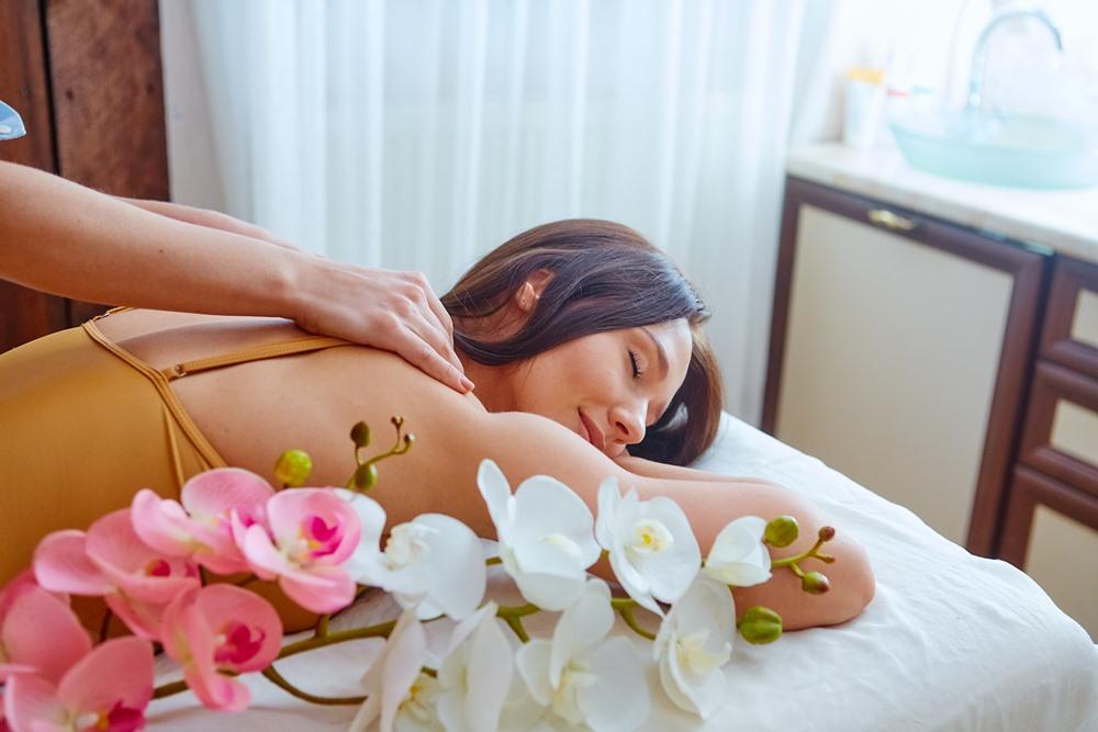 Оздоровительные тури обязательно включают массаж разны видов и другие процедуры.