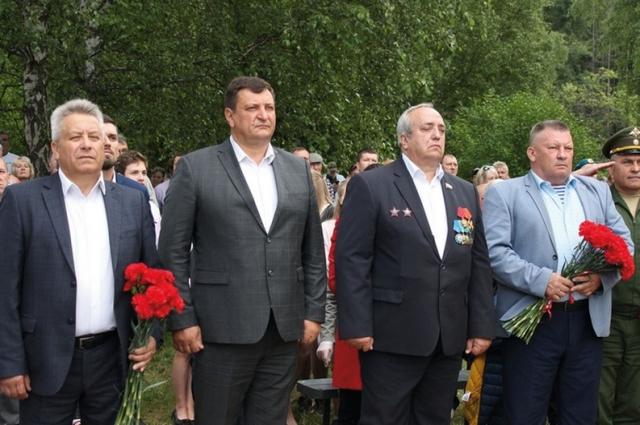 Организаторы праздника в честь открытия бюста в Ярцеве. В центре - Игорь Ляхов и Франц Клинцевич.