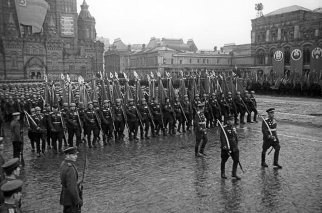 Парад Победы 1945 года
