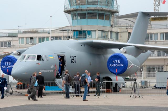 Военно-транспортный самолет Ан-178 концерна «Антонов».