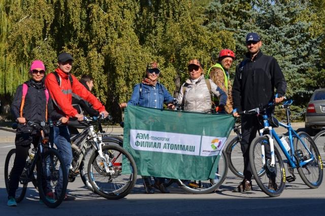Группа атоммашевцев после заезда.