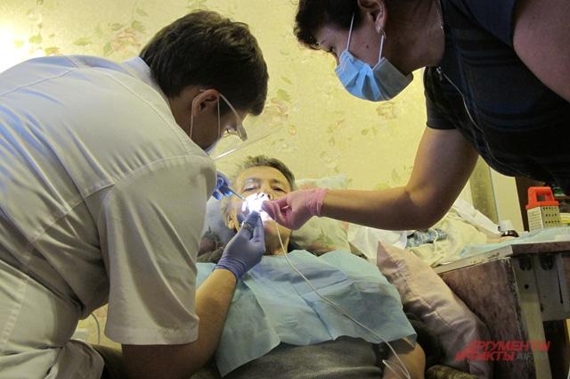 Благодарить есть за что – лечение зубов на дому государством вообще не предусмотрено!