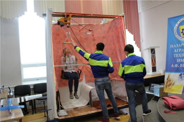 «Заботу» второкурсники Назаровского аграрного техникума собрали из подручных средств.