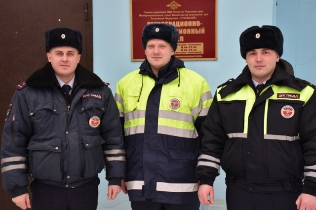 Полицейские спасли мужчину, застрявшего на трассе в 30-градусный мороз