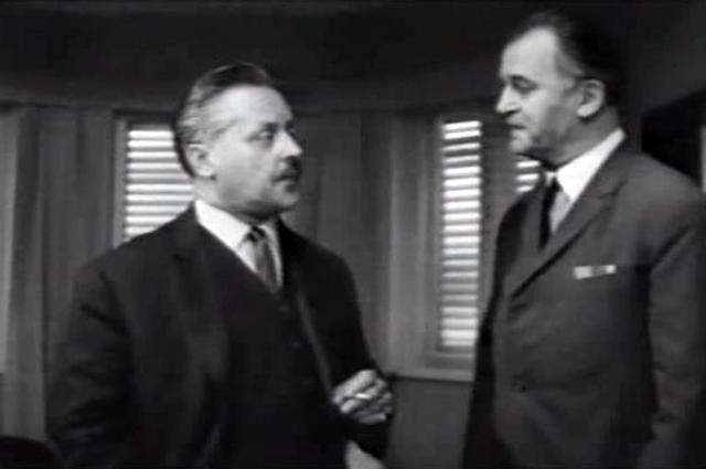 Глеб Плаксин (слева) вфильме «Ошибка резидента» (1968).