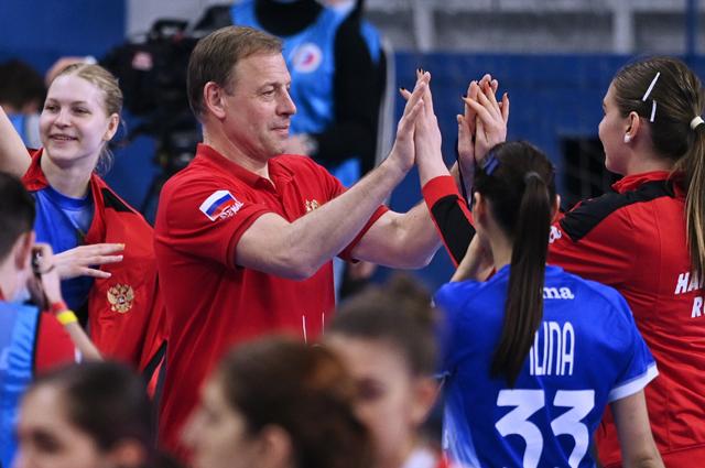 Главный тренер женской сборной России по гандболу Алексей Алексеев.