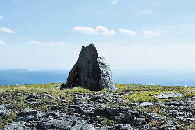 Высота Чувальского хребта 929м над уровнем моря.