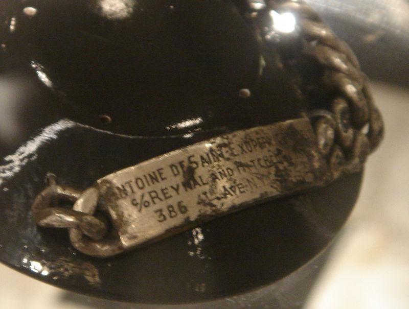 Браслет Сент-Экзюпери, найденный Жан-Клодом Бьянко в 1998 году