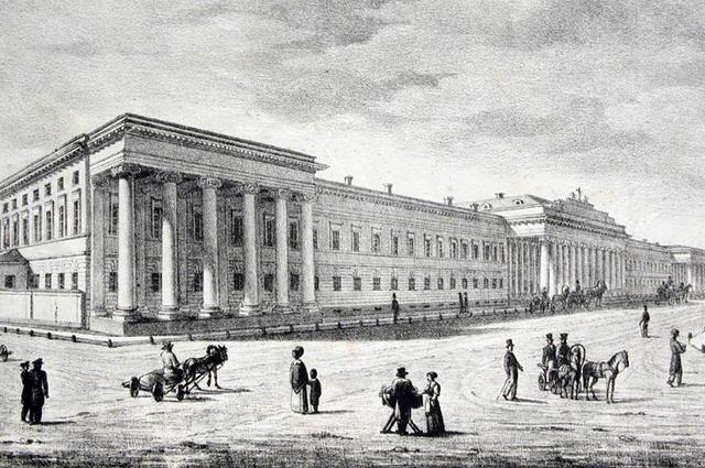 Здание Казанского университета было построено при Лобачевском.