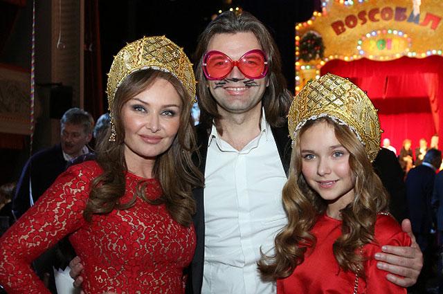 Певец Дмитрий Маликов с супругой Еленой и дочерью Стефанией