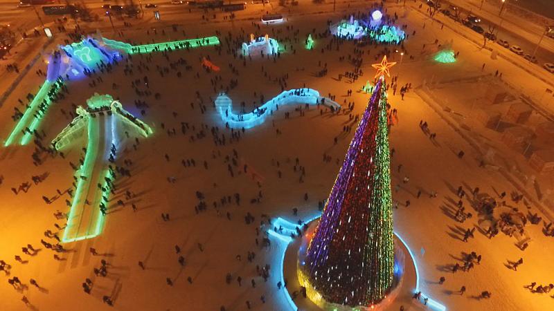 «Эко-Сад» стал самым большим зимним городком в России.