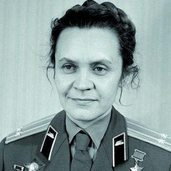 После войны В послевоенные годы занималась литературной деятельностью.