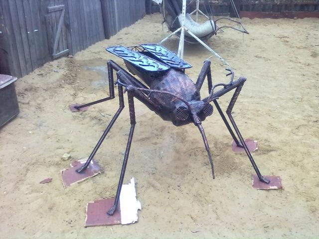 Мангал-комар быстро нашёл своего хозяина.