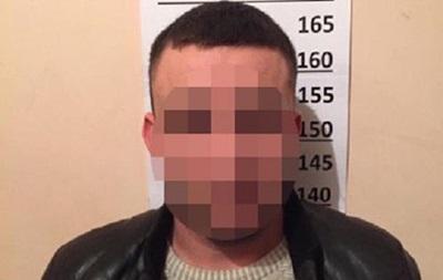 В Киеве правоохранители разоблачили группу злоумышленников, которые совершали разбойные нападения, маскируясь под таксистов.